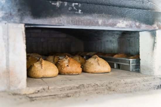 round-loaves-oven-door
