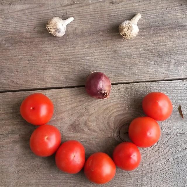 tomato smiley face