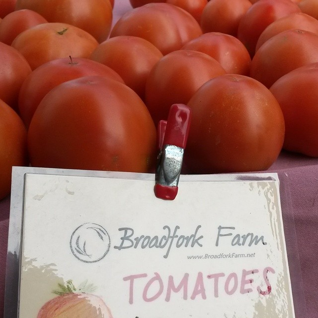 tomatoes on market table
